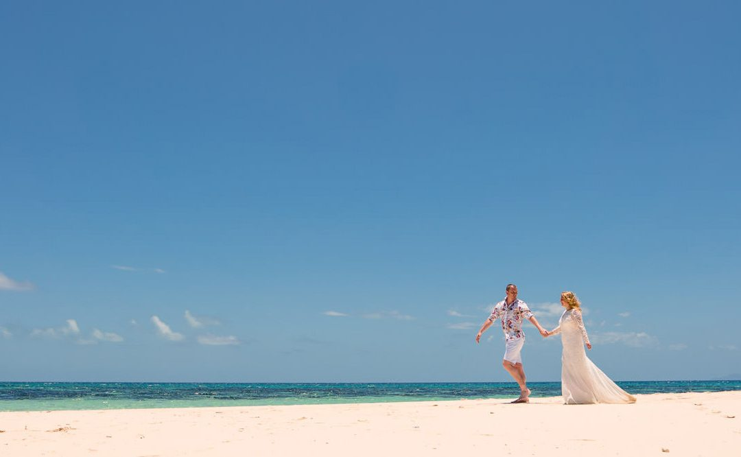 Sand Cay elopement in paradise!
